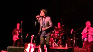"""Kyle Vincent sings """"Rock Me Gently"""" on Oct. 10, 2015"""