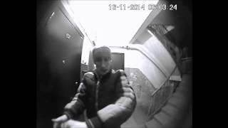 Смотреть видео  если ломают дверь
