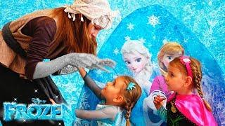 Арина спасает принцессу Эльзу История про дружбу / Magic Twins