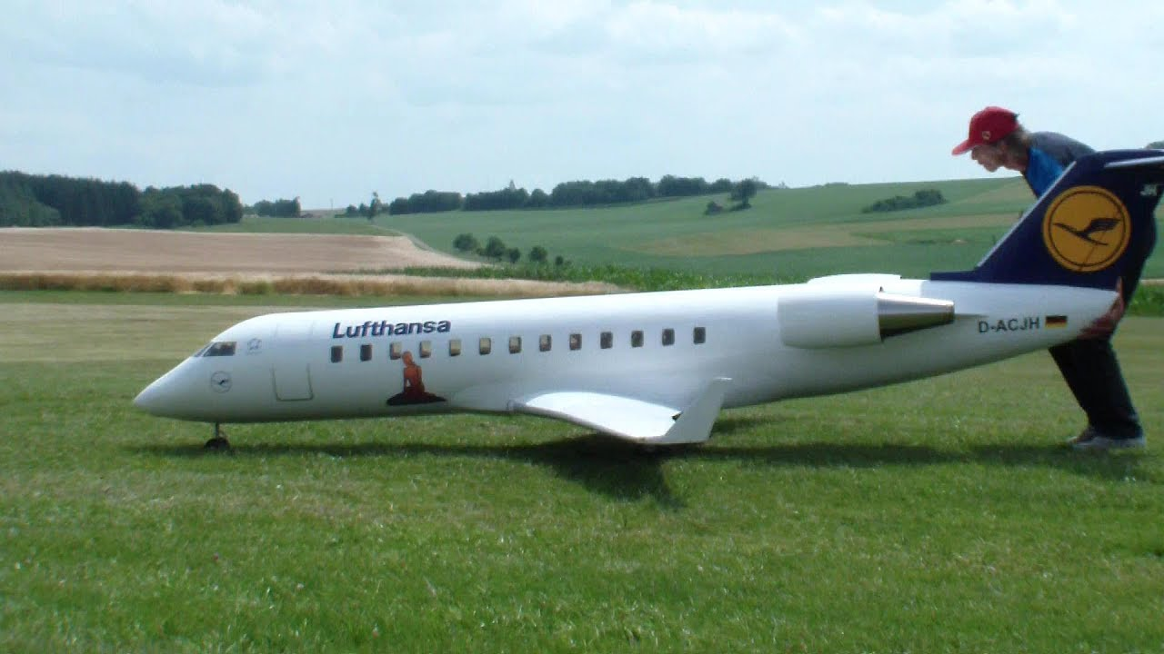 RC CRJ 200 GIGANTIC AIRLINER BOMBARDIER TWIN TURBINE MODEL