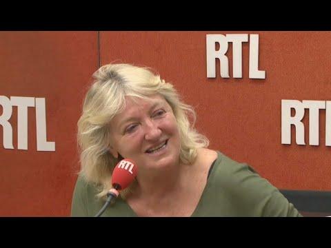 """Charlotte de Turckheim : """"Je pense que c'est le théâtre qui m'a sauvée"""""""