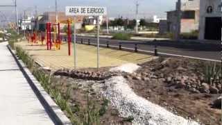 GIMNASIOS AL AIRE LIBRE, JUEGOS PARA NIÑOS, PASTO SINTETICO .MOV