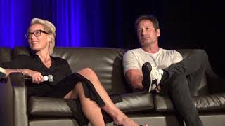 David Duchovny & Gillian Anderson Wizard World 8/25/18 Part 1
