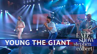Young The Giant Performs 'Simplify'
