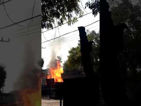 Explosión Camión en Hospital Ginecología y Pediatría 3A IMSS. Viernes 13 Abril de 2018 thumbnail