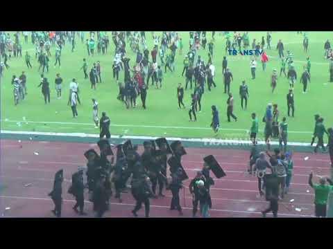 Persebaya Surabaya Kalah, Bonek Ngamuk, Serang Panitia Pelaksana & Petugas Keamanan