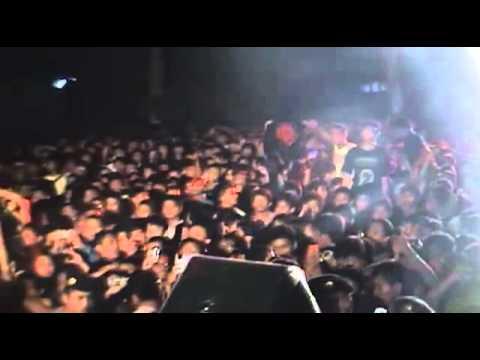 KILLING ME INSIDE - Biarlah (Live)
