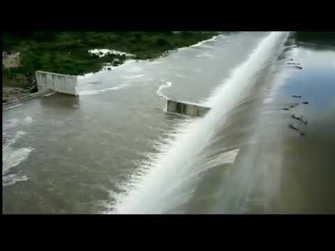 Mordhana dam overflowing  (Gudiyatham)