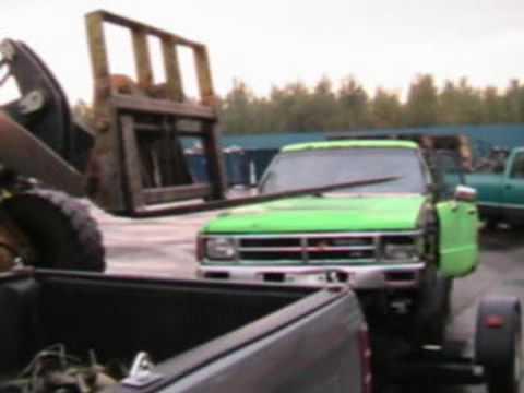 1989 Toyota 4Runner Goes To The Scrap Yard