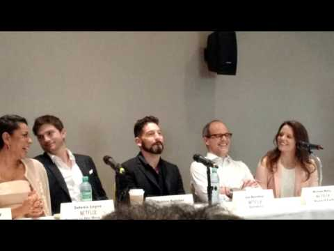 Ashton Kutcher, Michael Kelly, Selenis Leyva, Jon Bernthal y Lorenzo Richelmy.