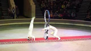 Акробаты в цирке. Супер Шоу!.MP4