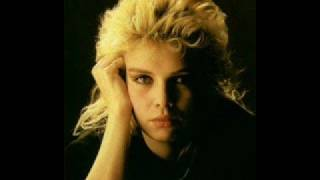 Watch Kim Wilde Our Town video