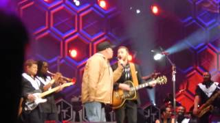 Justin Timberlake & Garth Brooks - Friends In Low Places - Nashville 12/19/14