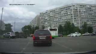 Опрокидывание микроавтобуса у Крюковской эстакады