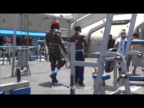 VERY STRONG MEN WORKOUT (KALI MUSCLE) AT MUSCLE BEACH, VENICE BEACH CALIFORNIA MAY 28, 2013