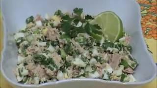 Салат с консервированным тунцом. Быстрый и очень вкусный!