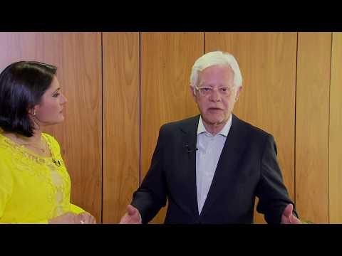 Roseann Kennedy entrevista o ministro Moreira Franco
