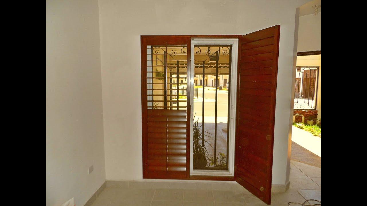 Video shutters de madera para sala o recamara youtube for Puertas corredizas de madera para recamara