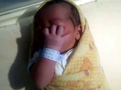 Bayi Baru Lahir Manggil Bapak