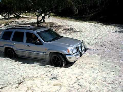 JEEP GRAND CHEROKEE 4.7L V8 In soft sand Rainbow Beach Australia
