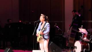 erin mckeown sings get happy at night of a thousand judys