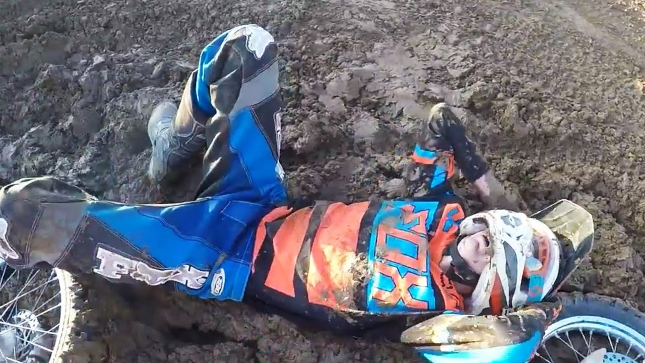 Crazy & EPIC Moto Fails 2017