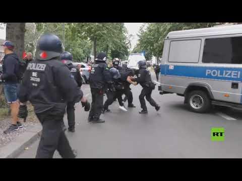 صورة فيديو : اشتباكات بين الشرطة والمتظاهرين ضد قيود كورونا في برلين