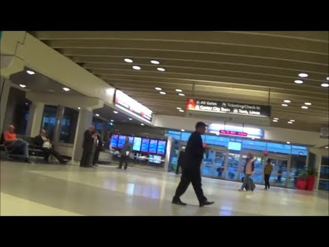 Walking around Philadelphia International Airport (PHL)