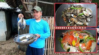 Blue Crabs with fresh Veggies + Sea Clams | Catch & Cook