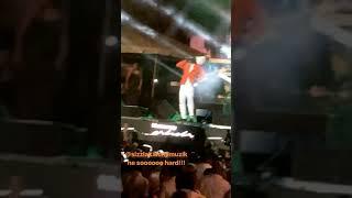 Sizzla Goin Hard On De Beat