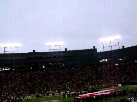Jets fly over lambeau field GREEN BAY PACKERS - YouTube
