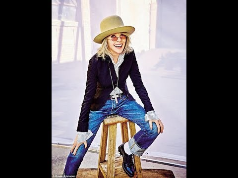 Women Over 50 Look's Collection. The Unbelievable and Amazing Actress and Producer Diane Keaton.
