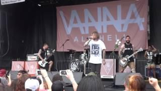 """Vanna """"Mutter"""" Warped Tour 6-25 / 16 (1)"""