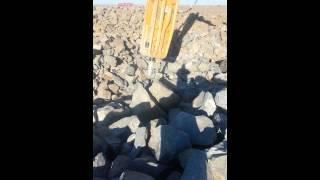 Гидромолот DELTA F35 в работе(, 2013-02-08T07:15:07.000Z)