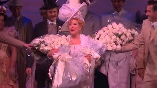 what happened after bette midler fell during hello dolly performance