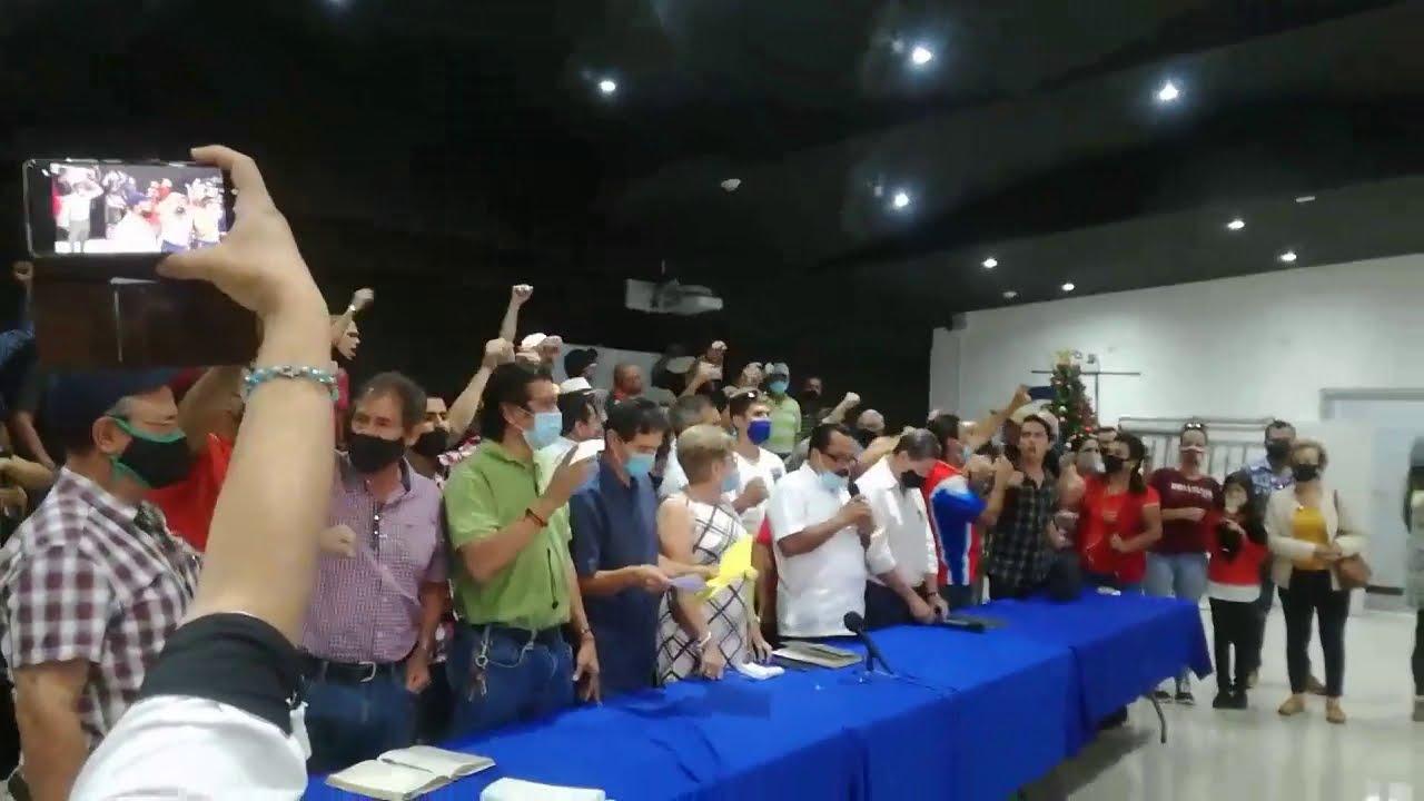 Cánticos de Rescate Nacional en contra de préstamos con el FMI y pidiendo renuncia de Michael Soto