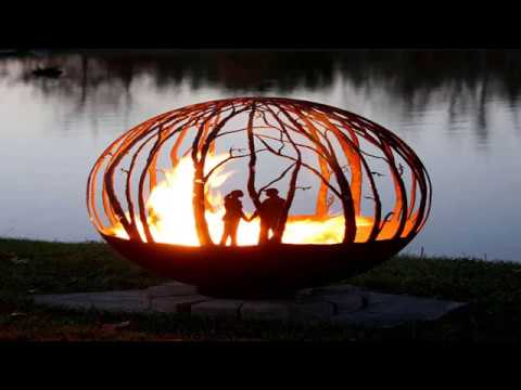 Metal Fire Pit Designs and Outdoor Setting Idea