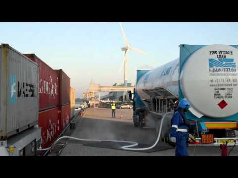 Truck to ship LNG bunkering in the Port of Rotterdam, Timelapse