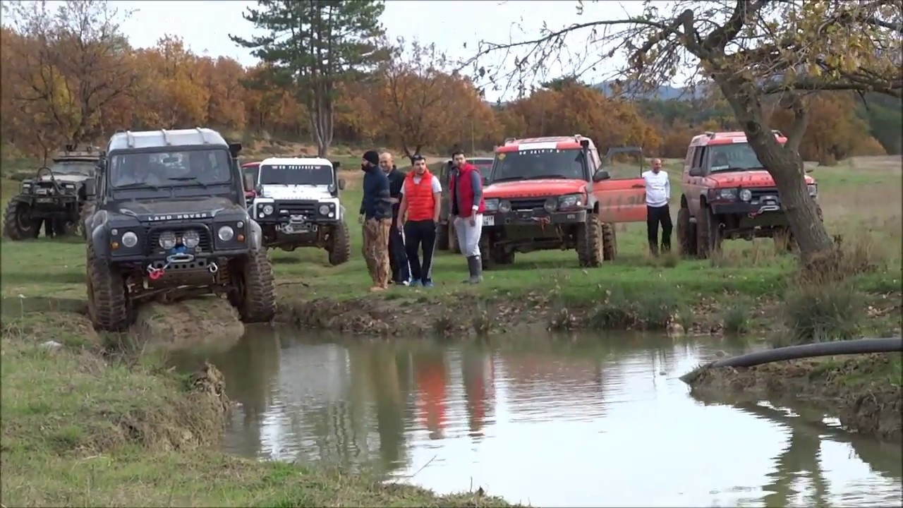 Land Rover Defender 90 Tdi Off Road Youtube