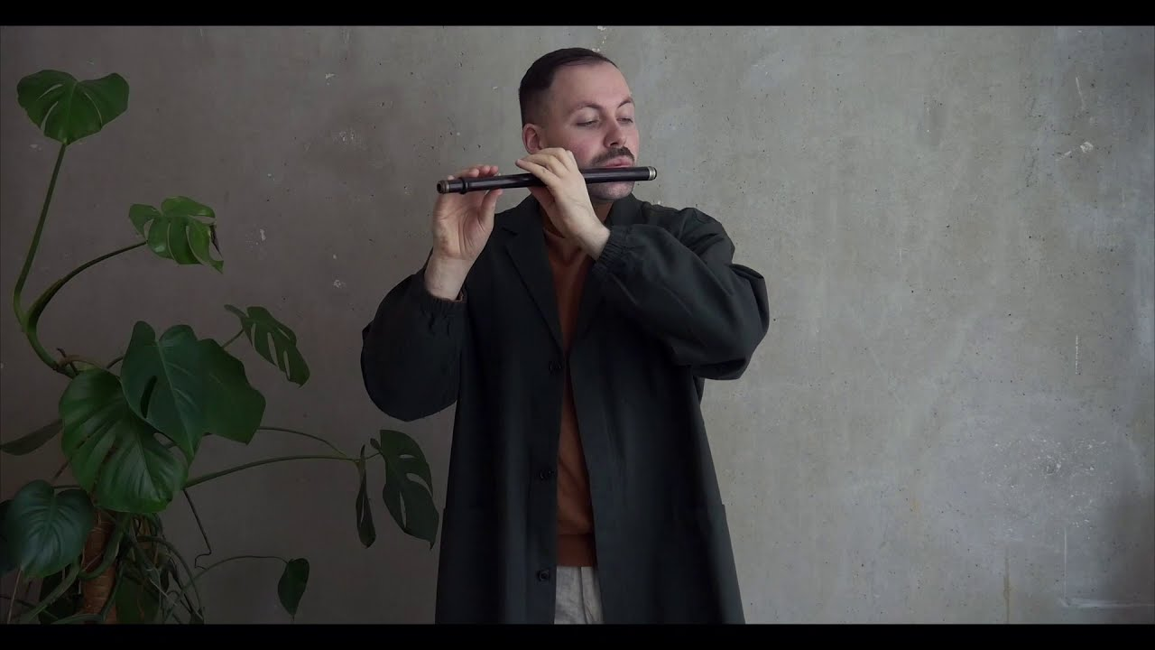 The Last Pint played on a small flute by Butler of Haymarket, London and Dublin - Robert Tobin