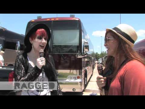 Seventeen Style Council: Chelsea Interviews Ash Of New Years Day At Warped Tour