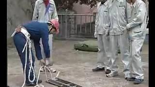 Как в Китае лазят по столбам электрики