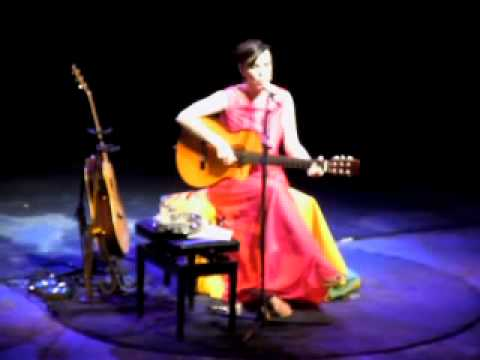 Adriana Calcanhotto live in Cape Verde