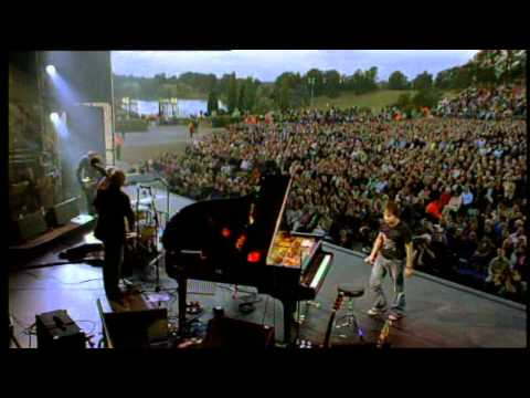 Jamie Cullum - Live at Blenheim Palace - I Get a Kick Out of You music