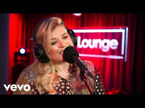 Kelly Clarkson - Invicible in the Live Lounge