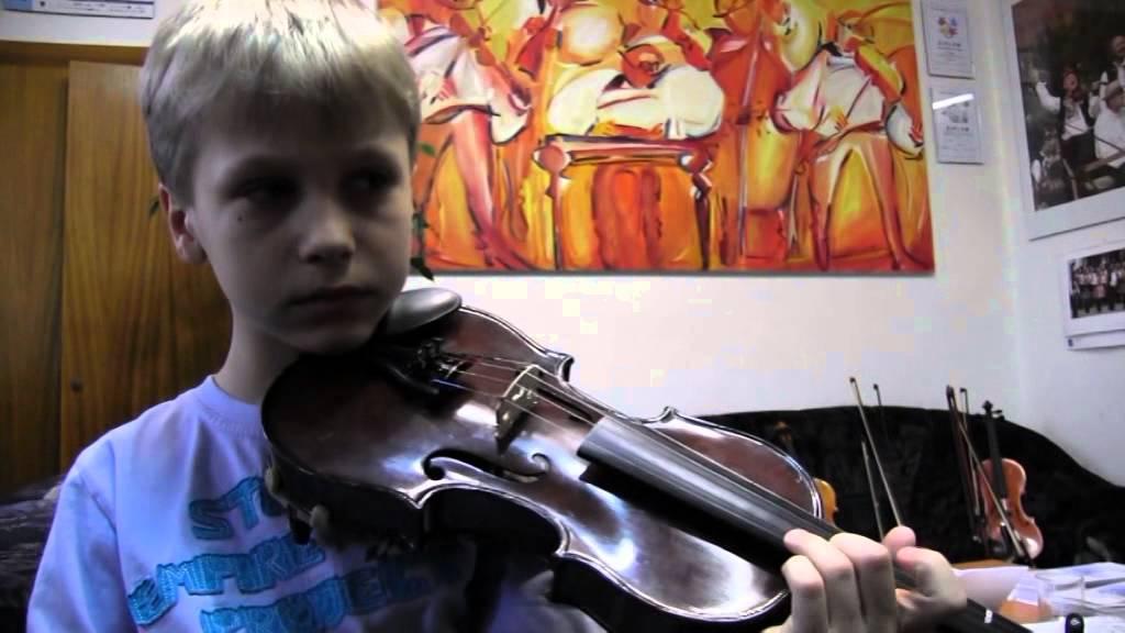 ZUŠ Kyjov 60. výročí školy - housle, cimbál, výtvarný obor