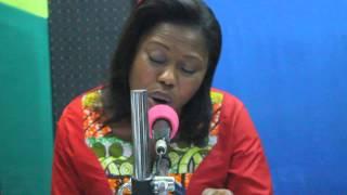 Emelia Arthur Sings Kyere Me Kwan On Neat Fm
