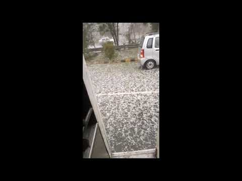 Snowfall (HAILSTORM) in Delhi NCR // Noida expressway covered in snow .
