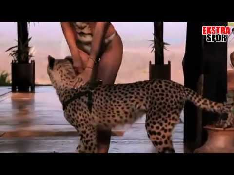 Irina Shayk in Zambia - 2012 Sports Illustrated Swimsuit - Ekstraspor