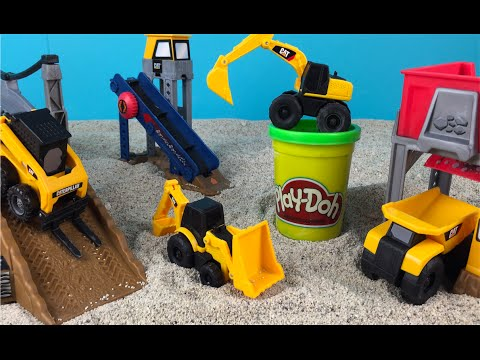 PlayDoh Play CAT Construction Playset - Mini MIghty Machines For Kids At Sand Jobsite